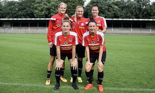 Die Steirerinnen im ÖFB-Frauen-Nationalteam: Carina Wenninger, Sarah Puntigam, Viktoria Schnaderbeck (hinten, von links), Sophie Maierhofer und Barbara Dunst (vorne, von links)