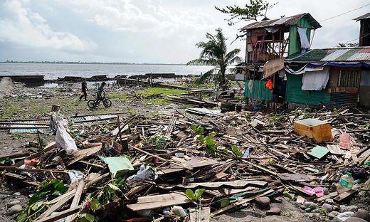FILES-PHILIPPINES-WEATHER-TYPHOON