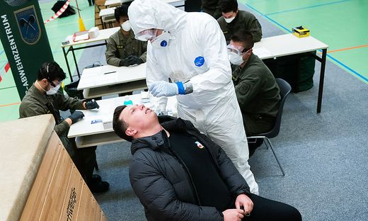 CORONA: PRAeSENTATION BUNDESHEER 'CORONA-TESTSTRASSE'