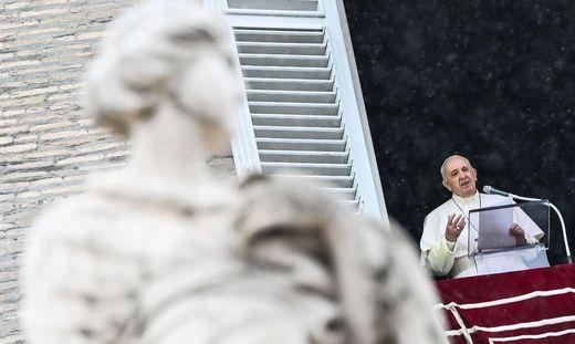 """In seiner Enzyklika """"Fratelli tutti"""" bleibt Papst Franziskus seiner Skepsis gegenüber der freien Marktwirtschaft treu"""