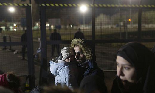 Donnerstag Nacht an der serbisch-ungarischen Grenze