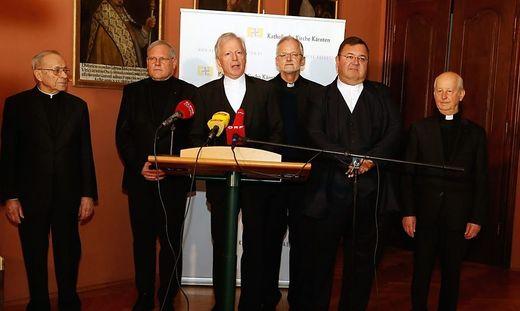 Guggenberger mit Mitgliedern des Domkapitels