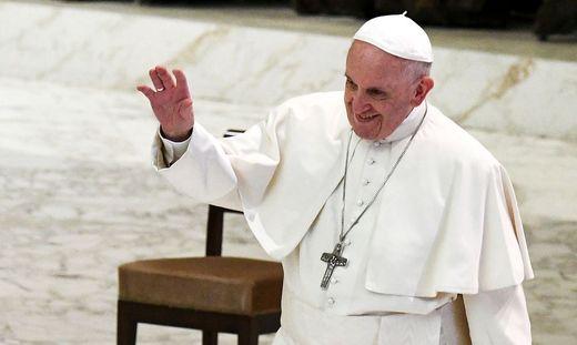 VATICAN-POPE-AUDIENCE-VOLUNTEERS
