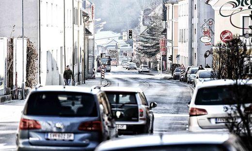 Teile der Klagenfurter Straße in St. Veit wurden bereits saniert, nun wurden die Arbeiten wieder aufgenommen