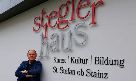 Er ist ein Kind von St. Stefan ob Stainz: August Schmölzer vor dem Stieglerhaus