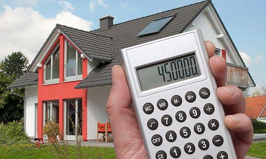 Der Wunsch, schnell in ein Haus im Grünen flüchten zu können, haben Fertigteilhäuser attraktiver gemacht