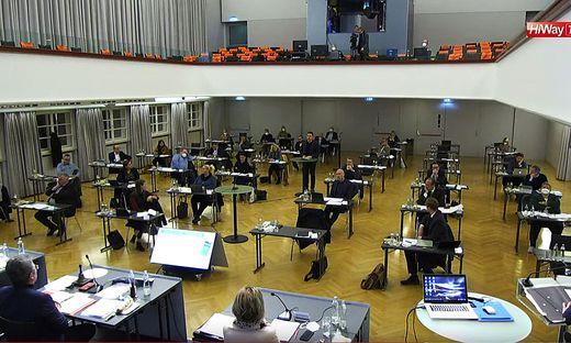 Harte Bandagen gab es in der jüngsten Brucker Gemeinderatssitzung ebenso wie Harmonie
