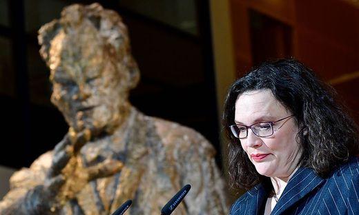 Willy Brandt im Rücken: Andrea Nahles war nach 150 Jahren Parteigeschichte die erste Frau an der Spitze der deutschen Sozialdemokraten