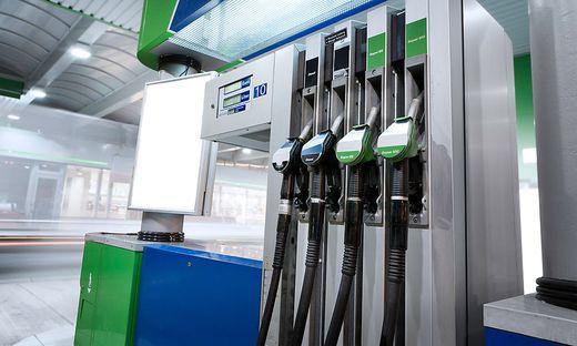 Wasserstoff und CO2 wird zu Diesel oder Kerosin. Autos könnten klimaneutral werden