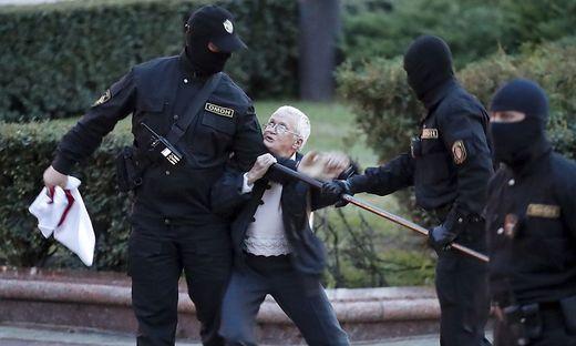 Oppositionsaktivistin Nina Baginskaja, 73
