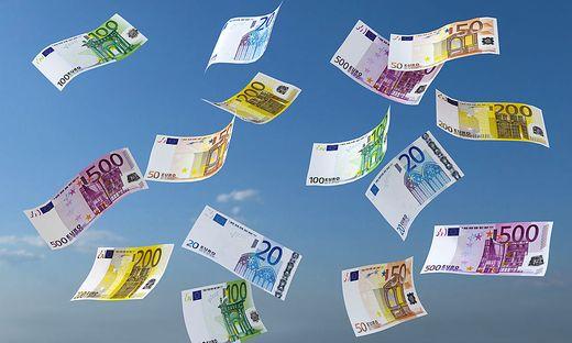 3D Illustration Geldscheine blauer Himmel