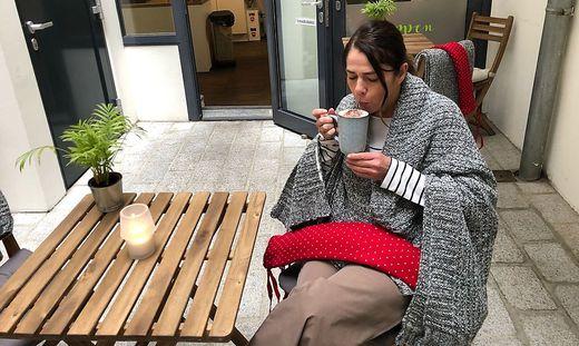 Silvia Krause vom Suppenglück reicht zu jeder Mahlzeit eine Wärmflasche und eine Decke.