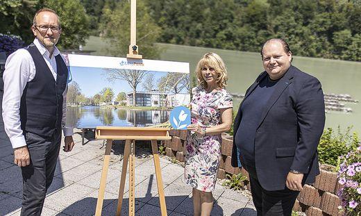Europarcs-Österreich-Chef Klaus Schrittesser, Bürgermeisterrin Sonya Feinig, Resort-Leiter Elias Franco