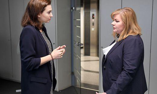 Künftig soll die WKStA unter Ilse-Maria Vrabl-Sanda (rechts) offenbar direkt ans Ministerium von Alma Zadic berichten.