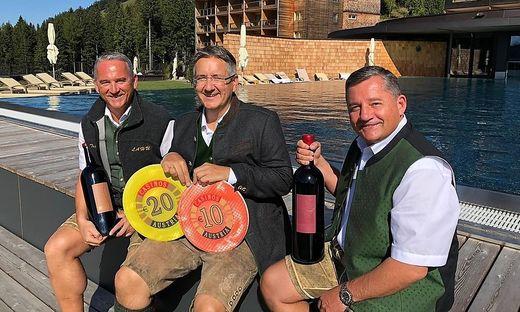 Casino-Direktor Andreas Sauseng  mit den zwei Pierer-Geschäftsführern Franz und Alfred Pierer