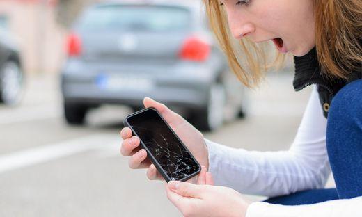 Bei kaputten Smartphones ist guter Rat oft teuer
