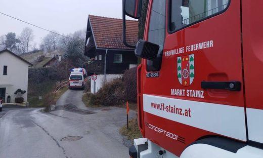 Die Freiwillige Feuerwer Stainz verhinderte ein Übergreifen der Flammen