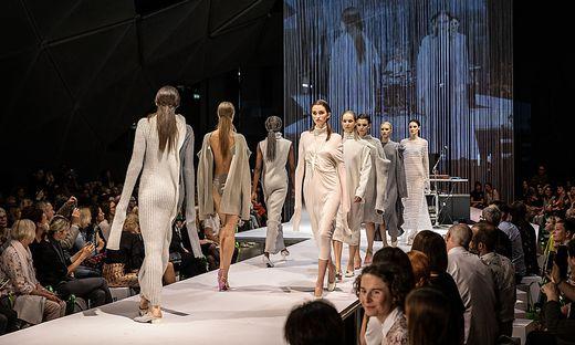 Mode von Christina Seewald bei der Assembly-Modenschau