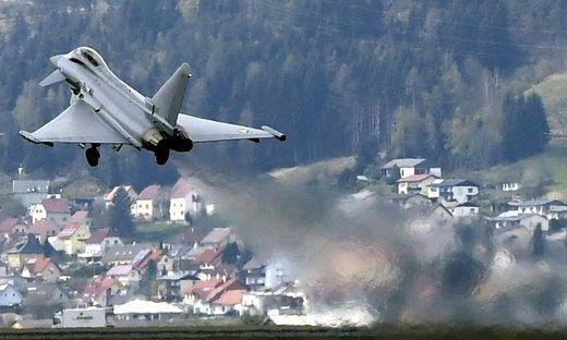 Der Lärm der Eurofighter, hier beim Start in Zeltweg, hat Einfluss auf die Raumordnung im Aichfeld - so auch auf das Kindergartenprojekt in Spielberg, das in der Einflugschneise liegt