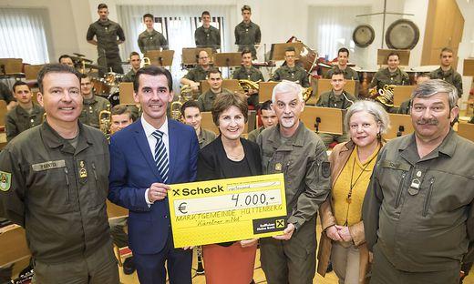 KiN Kärntner In Not - Militärmusik Kärnten und Bgm Ofner Hüttenberg - April 2018