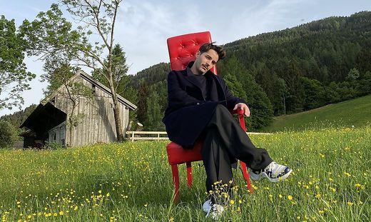 Shooting beim Kleinsasserhof in Spittal. Josephine Gasser, Tochter des Hauses, ist Fotografin und seit Jugendtagen mit Markus Wernitznig befreundet