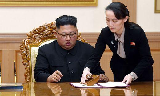 Kim Jong-un mit Schwester Kim Yo-jong