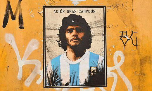 Der Fußballer Diego Maradona starb im Alter von 60 Jahren