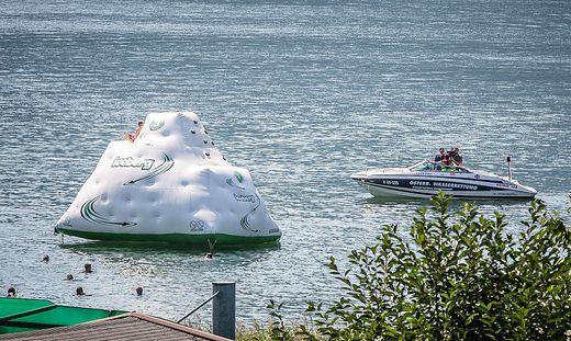 In der Nähe dieses Eisbergs ertrank der polnische Schüler am Mittwoch vor den Augen seiner Mitschüler