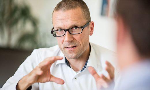 Interview Uwe Schneidewind Klagenfurt Juni 2015