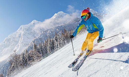 Der Skifahrer wurde bei dem Zusammenstoß schwer verletzt (Sujetbild)