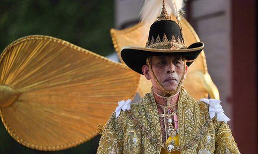 TOPSHOT-THAILAND-ROYALS-CORONATION