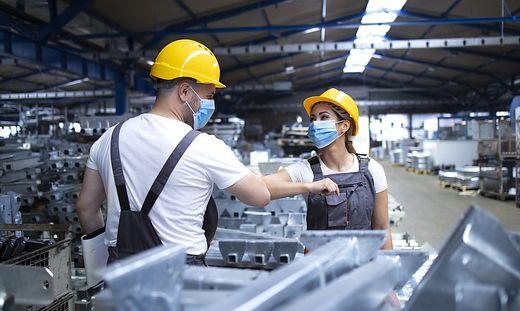 Mehr als drei Viertel der Betriebe der Kärntner Industrie berichten von steigenden Auslandsaufträgen