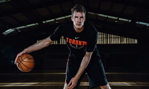 BASKETBALL - Jakob Poeltl, photo shoot