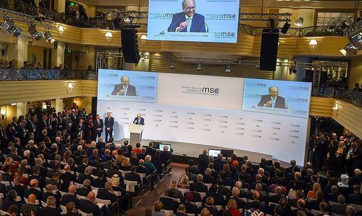 Sicherheitskonferenz im Bayerischen Hof in München