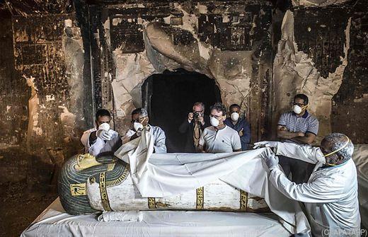 Luxus in Luxor: Ägypten enthüllt altes Grab und Sarkophag