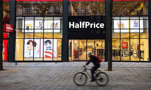 Erste HalfPrice Filiale in Wien eröffnet