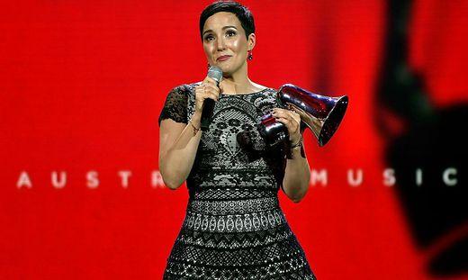 VERLEIHUNG DER '19. AMADEUS AUSTRIAN MUSIC AWARDS': 'KLEE' VON INA REGEN