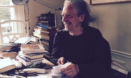 Peter Handke in seinem Haus in Chaville bei Paris
