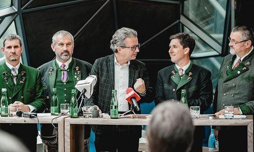 Christopher Drexler mit den Bürgermeistern Gerald Loitzl (Altaussee), Franz Frosch (Bad Aussee), Franz Steinegger (Grundlsee) und Klaus Neuper (Bad Mitterndorf)