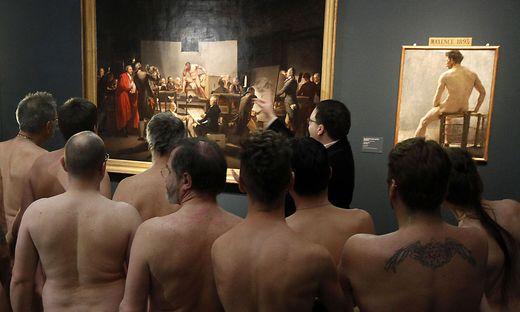 nackt im museum