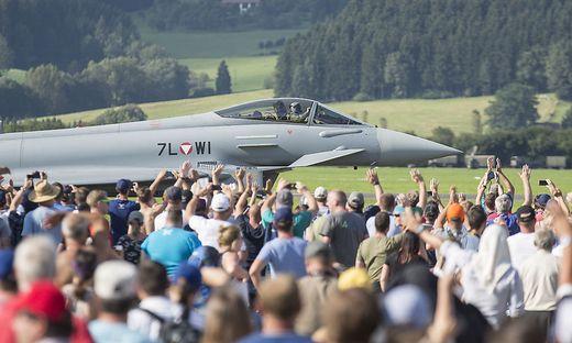 FLUGSHOW AIRPOWER 16 IN ZELTWEG: EUROFIGHTER