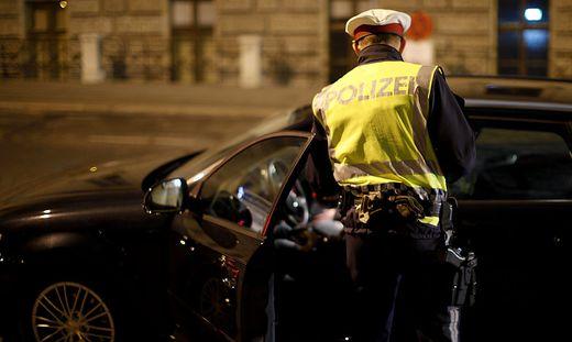 Der 42-Jährige besaß keinen Führerschein, weil er ihm schon früher wegen Alkohol am Steuer entzogen worden wa
