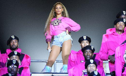 Die neue Königin des Pop bei ihrem Antrittskonzert in Coachella