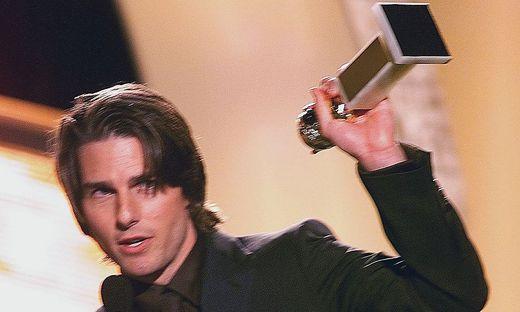 """Tom Cruise mit seinem Golden Globe für """"Magnolia"""""""