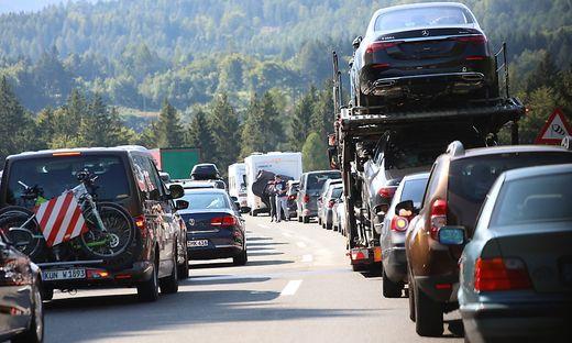Am Wochenende wird es sich auf der Karawanken-Autobahn wieder kilometerlang stauen