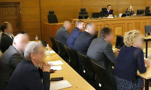 PROZESS WEGEN FALSCHER BEURKUNDUNG UM BP-STICHWAHL STARTET IN KAeRNTEN