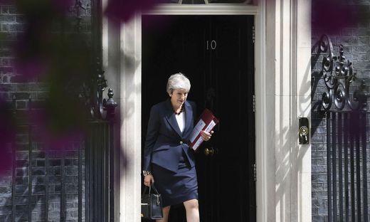 Theresa May muss von Downing Street no 10 scheiden