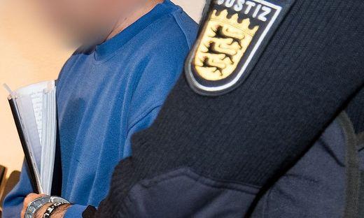 Gewaltverbrechen in Freiburg: Hussein K. ist laut Vater bereits 33 Jahre alt