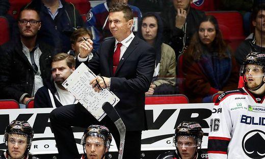 Head coach of Aessaet Jyrki Aho during Finnish Hockey League match HIFK vs Aessaet at Helsinki ice hall