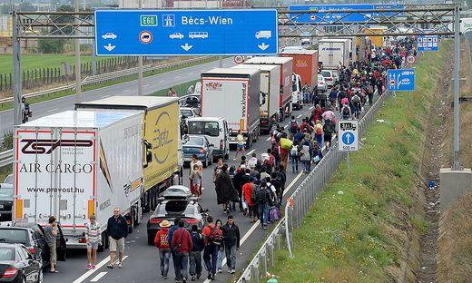 Grenzübergang Nickelsdorf vor einem Jahr